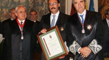 El Consejo de la Abogacía de Castilla y León distingue a Fernández-Lomana con su Gran Cruz