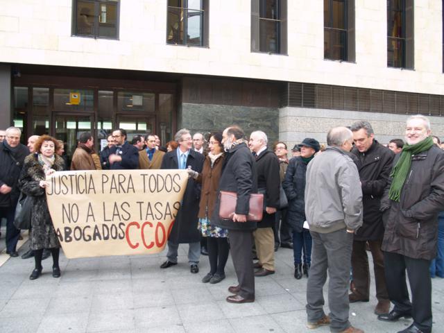 Concentración contra las tasas judiciales en Valladolid el 12 de diciembre de 2012