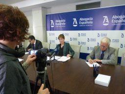 Rueda de prensa Victoria Ortega, presidenta Abogacía (2)